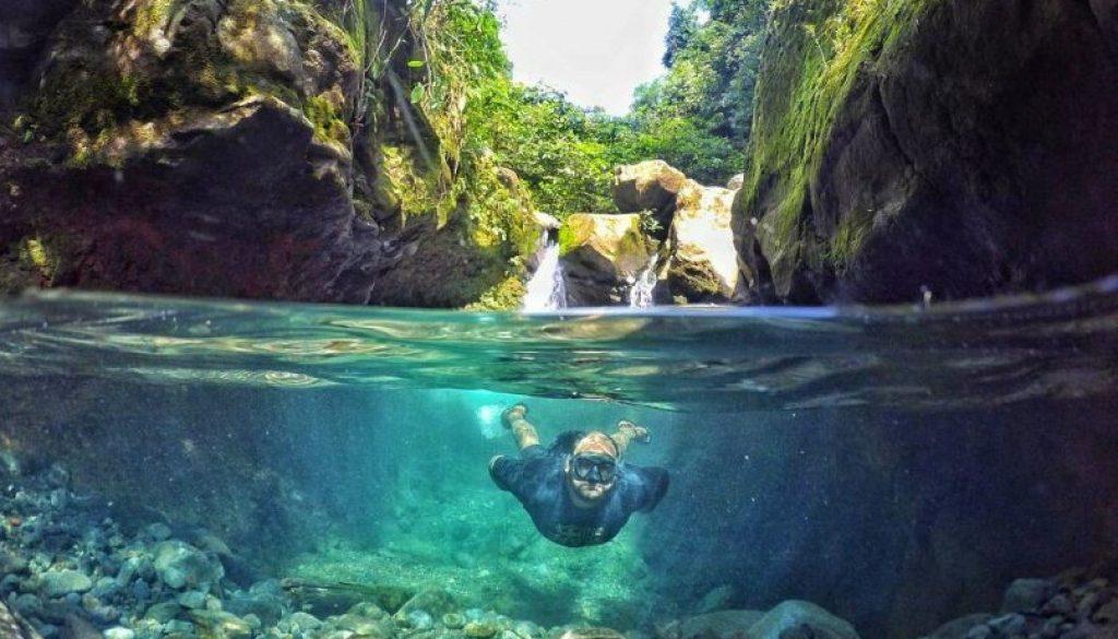 spot underwater green lagoon bogor
