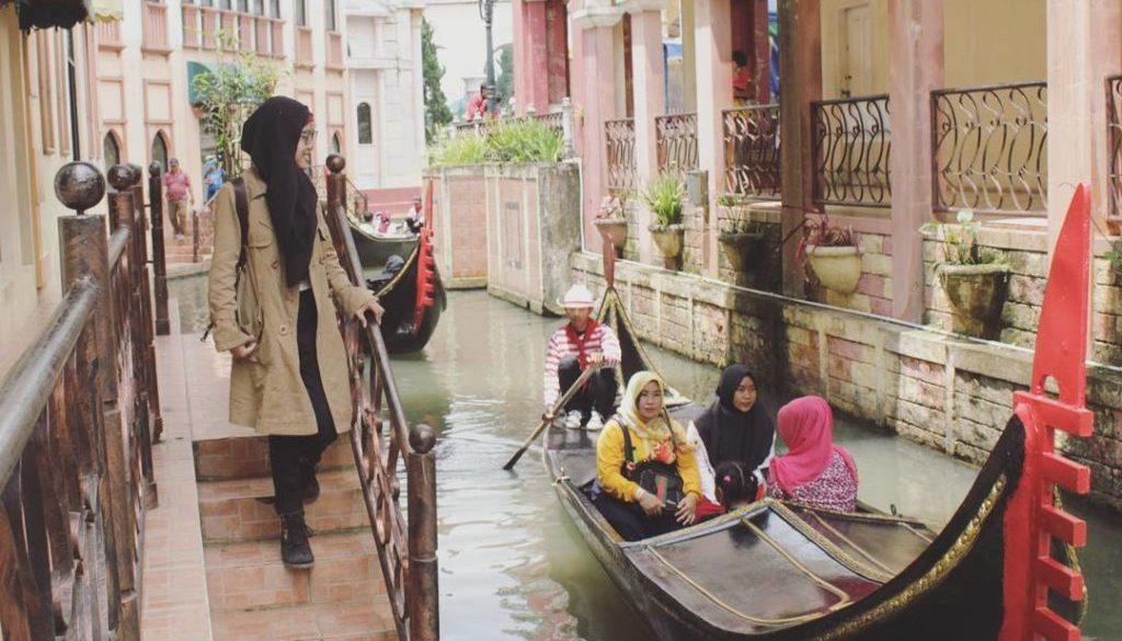 Tiket, Rute Dan Lokasi Little Venice Kota Bunga Puncak