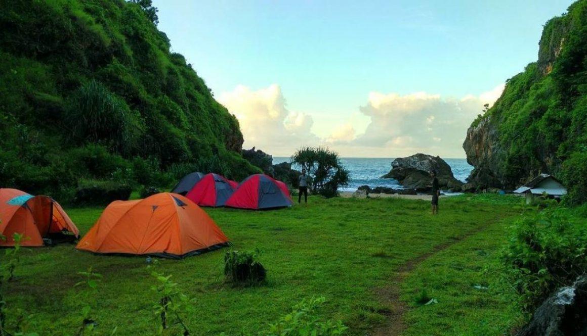 Pantai Di Gunung Kidul Yang Masih Sepi wohkudu
