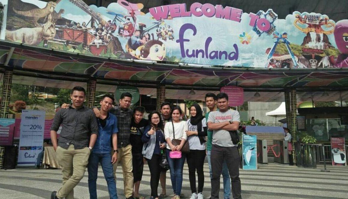 harga tiket masuk Mikie Holiday Funland Berastagi