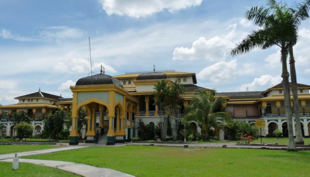 Gambar wisata ke istana maimun